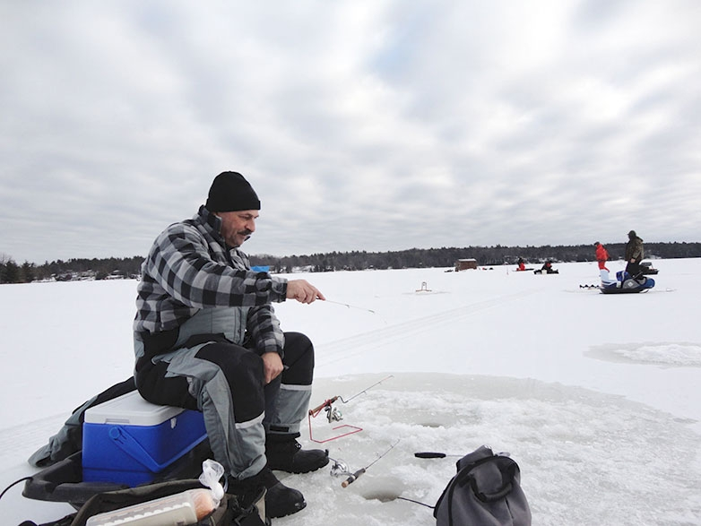 Fishing with mormysha for crappie on Black Lake in Ontario